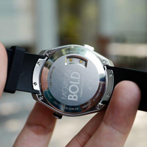Smartwatch Movado Bold Motion: Đồng Hồ Thời Trang Cao Cấp Thụy Sĩ Mặt Lưng