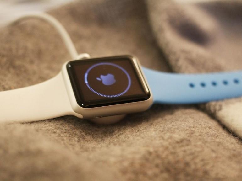Đồng hồ Apple Watch series 5 bản thép khác gì bản nhôm? - Ảnh: 4