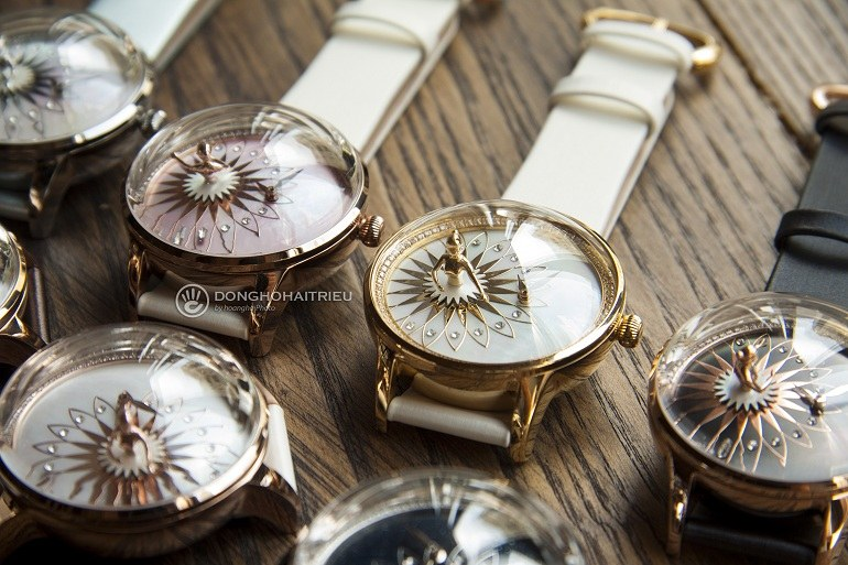 Giới thiệu 7 mẫu đồng hồ đính đá nữ có thiết kế đẹp nhất - Ảnh: 7